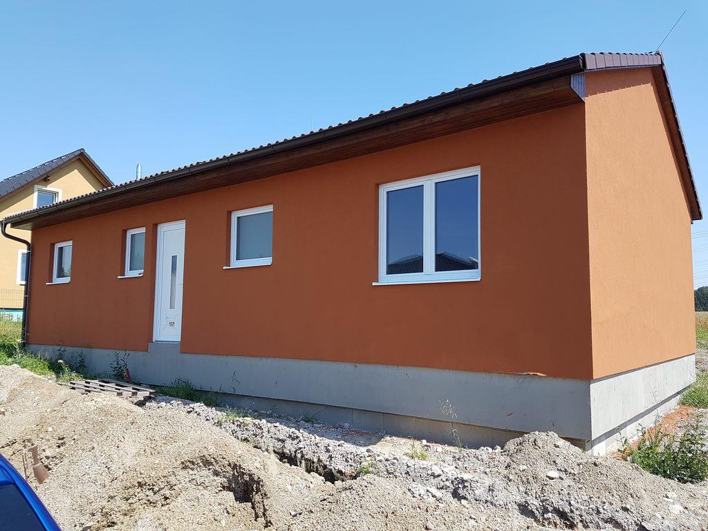 Realizovaná dřevostavby bungalovu HP90 v obci Jestřebí.